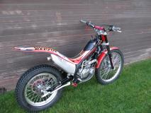 Montesa Cota 4RT 003 (2) (800x600).jpg