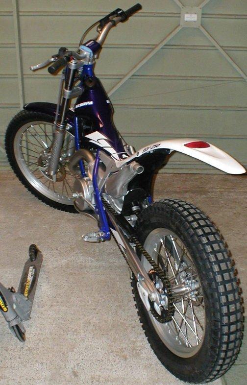 2004-Scorpa-SY250.jpg
