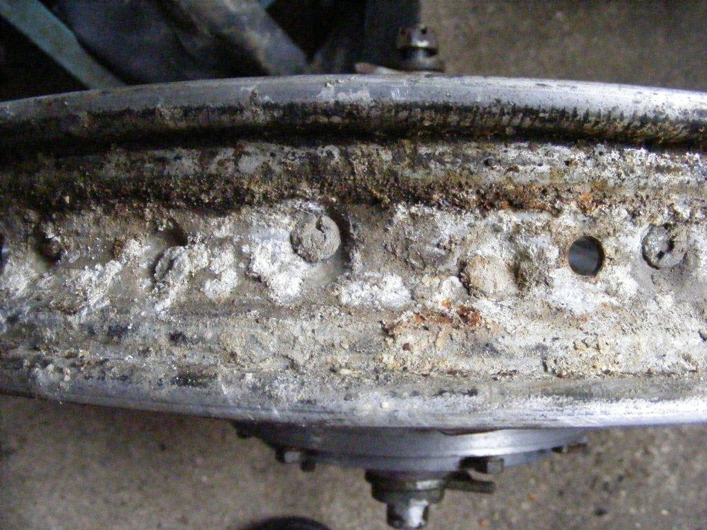 5bb1dd1f52cf4_Alpinar.wheel-rimcorrosion(3).thumb.jpg.6154c6f58d3883e75a0e28e564b6a9f7.jpg