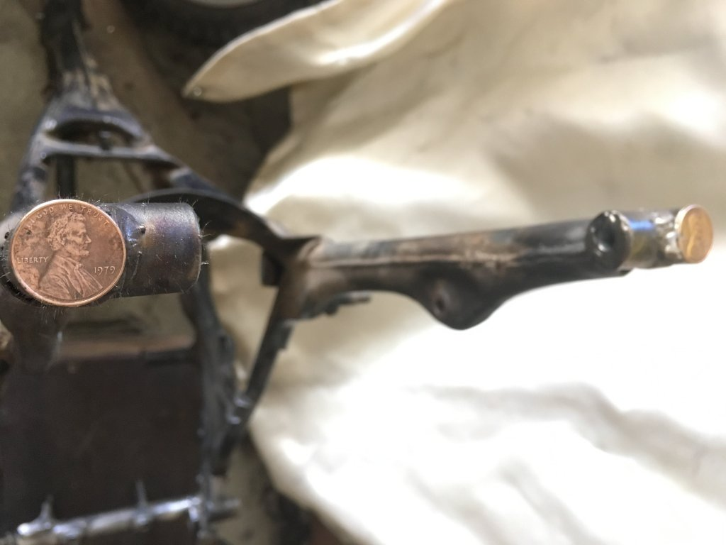 Rear fender mounts.jpg