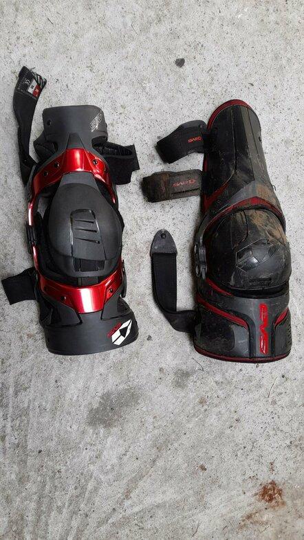 kneebrace 1.jpg