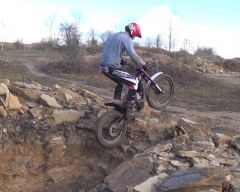 Matt Bushell Beta Evo 300cc 2014 trying the Dugout rock section